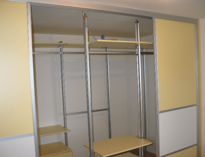 poceni garderobne sobe po meri