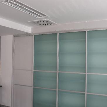 Prednosti vgradnih omar napram klasičnim omaram