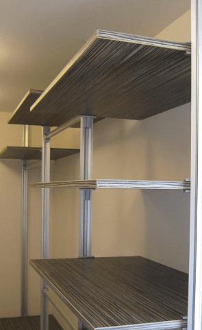 Ko prostor ne želimo preveč zapreti z omarami
