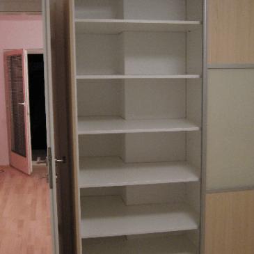 Primeri prilagajanja omar stenam in zidnim oviram