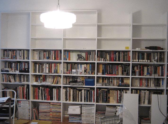 velika zidna omara za knjige
