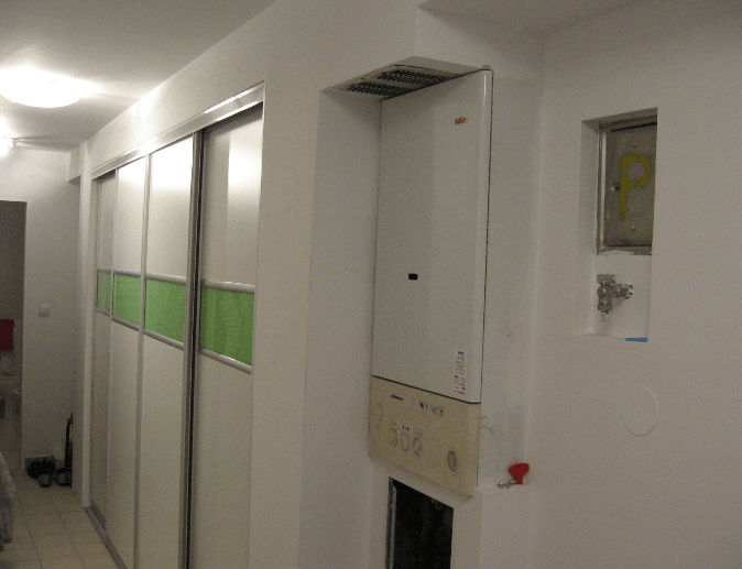 vgradna omara na hodniku