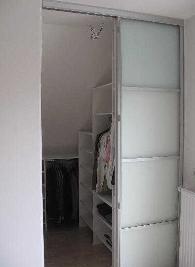 garderobna soba mansarda niša