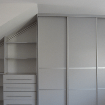 5 možnosti izkoristka prostora pod poševnim stropom v mansardi