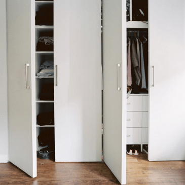 Nasveti, če razmišljate o vgradni omari v spalnici