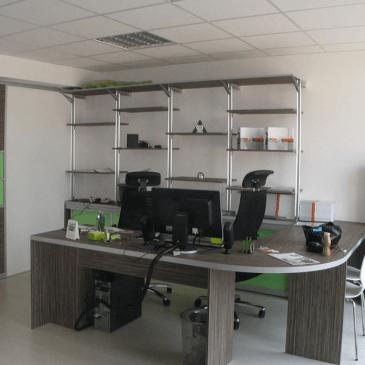 Sodobno pisarniško pohištvo za opremljanje pisarn po meri