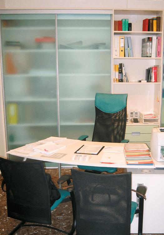 pisarniško pohištvo za manjše prostore
