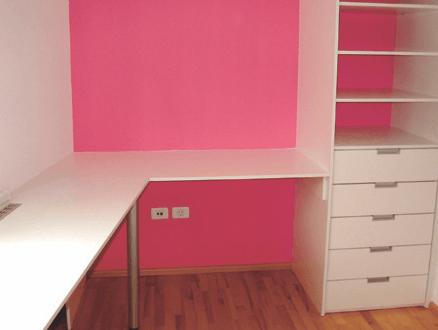 kotna pisarniška miza in omara