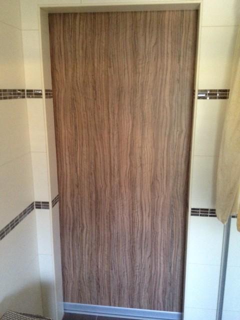 drsna vrata iz kopalnice