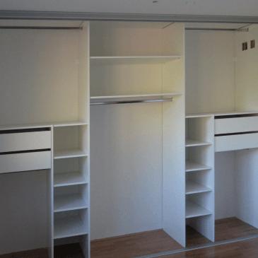 Izdelava notranjosti vgradne omare za spalnico