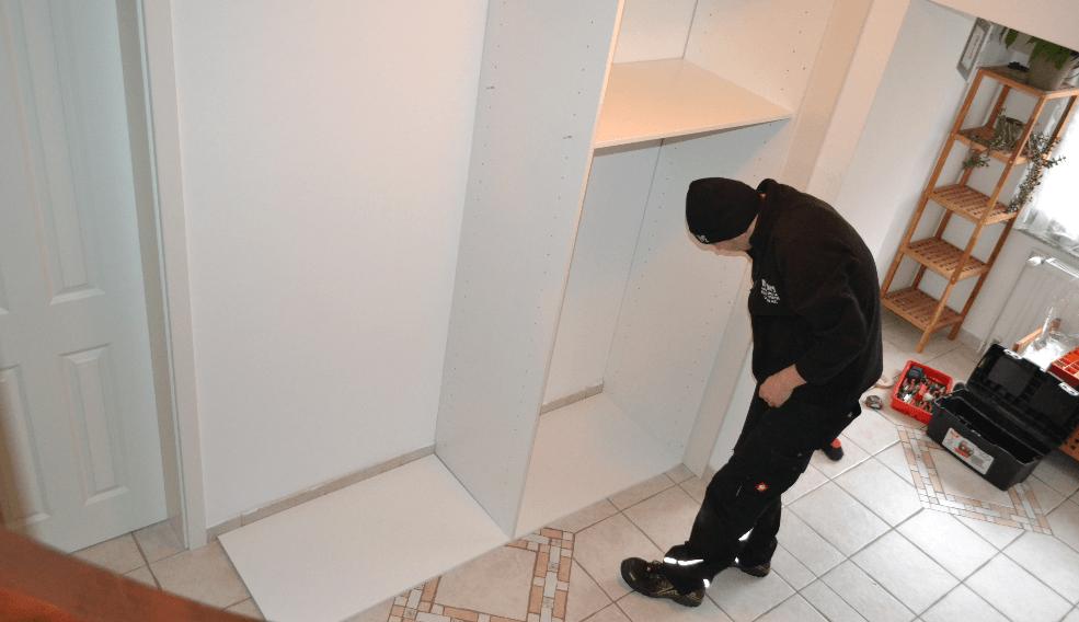 notranja polica in polic na tleh