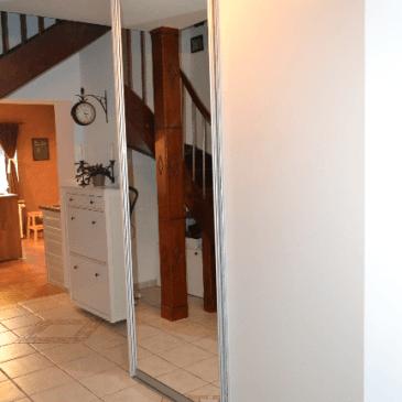 Omara za predsobo – prikaz kompletnega postopka vgradnje omare v predprostoru (od izmere do montaže)