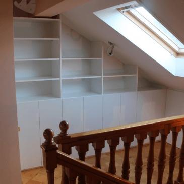 Vgradne omare za mansardo – primer ureditve celotne mansarde z vgradnimi omarami, pregradnimi stenami ter ostalim pohištvom za mansardo