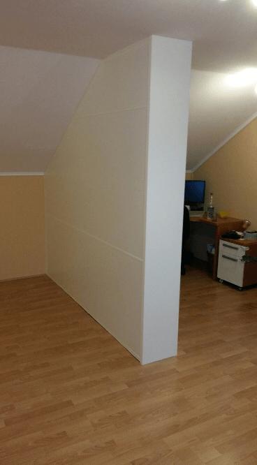 pregradna stena v mansardi