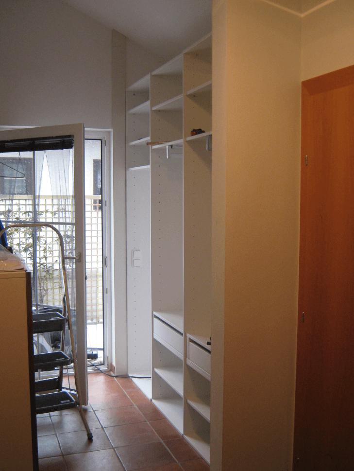 garderobna omara hodnik poševni strop
