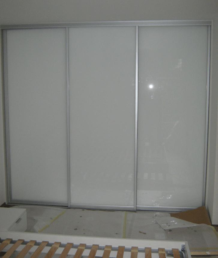 vgradna omara steklo