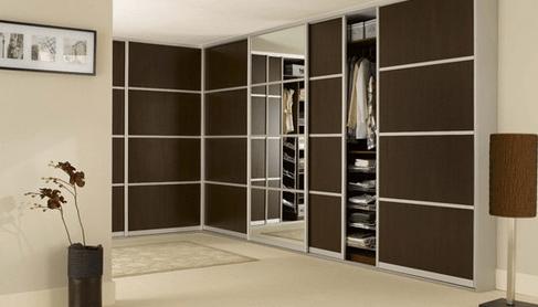 Če se zanimate za večje garderobne omare