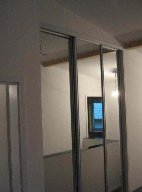 vgradna omara mansarda ogledalo
