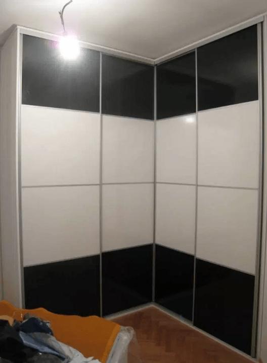 kotna garderobna omara z 2 vrati