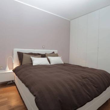 Opremljanje spalnice s pohištvom po meri